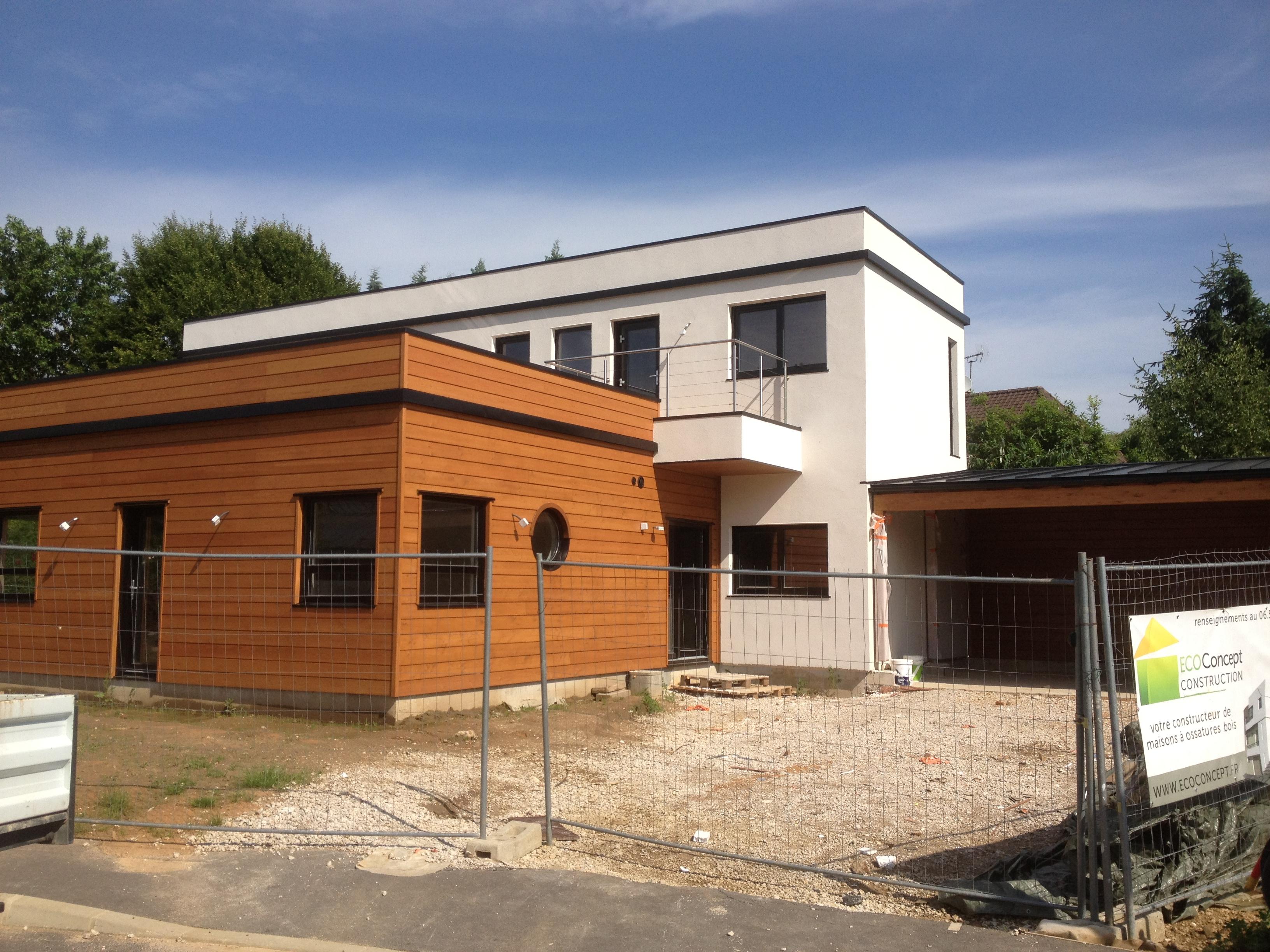 Maison en bois moderne for Constructeur maison en bois 27